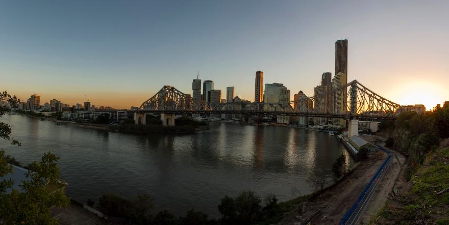 Story bridge pano