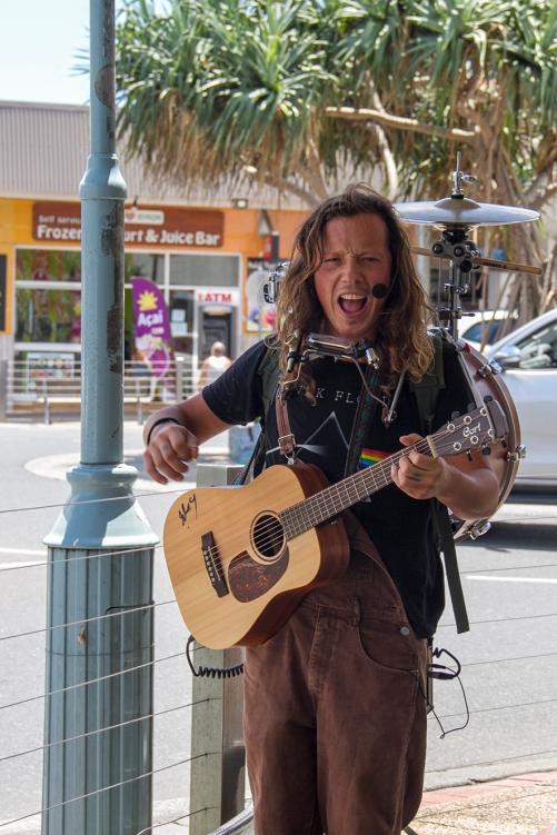street musician Byron bay