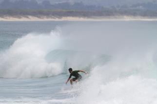 Surfer Byron bay