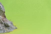 vivid colours at wai-o-tapu
